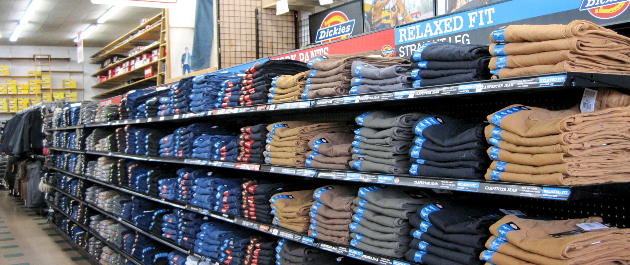 Dickies-Clothes-Aisle